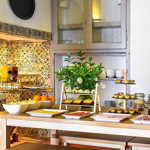 The Noble House Suites & Apartments - Pequeno-Almoço
